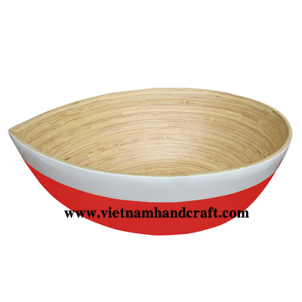 Lacquer bamboo snack bowl. Inside in natural, outside in red & white