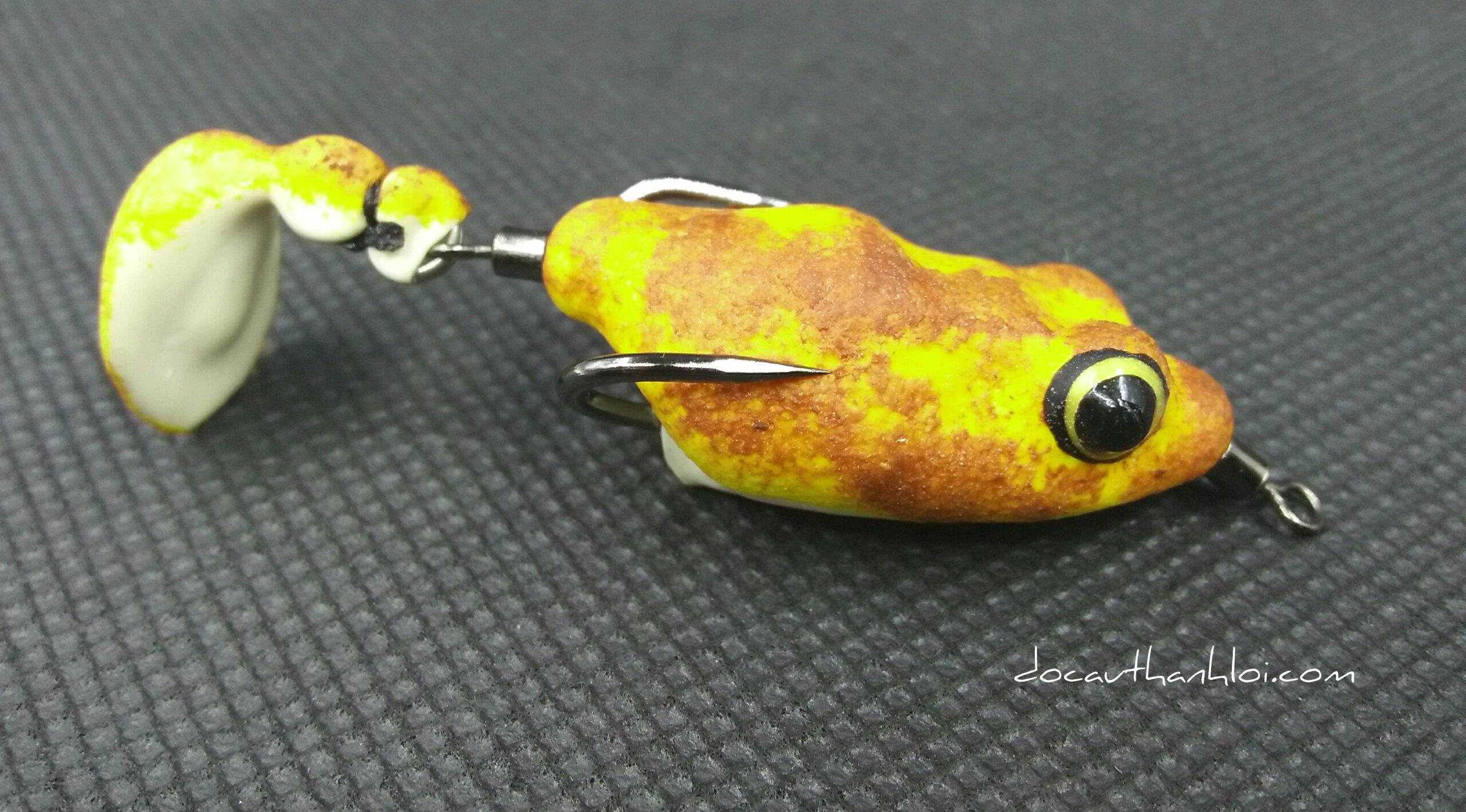 ếch giả 1 chân