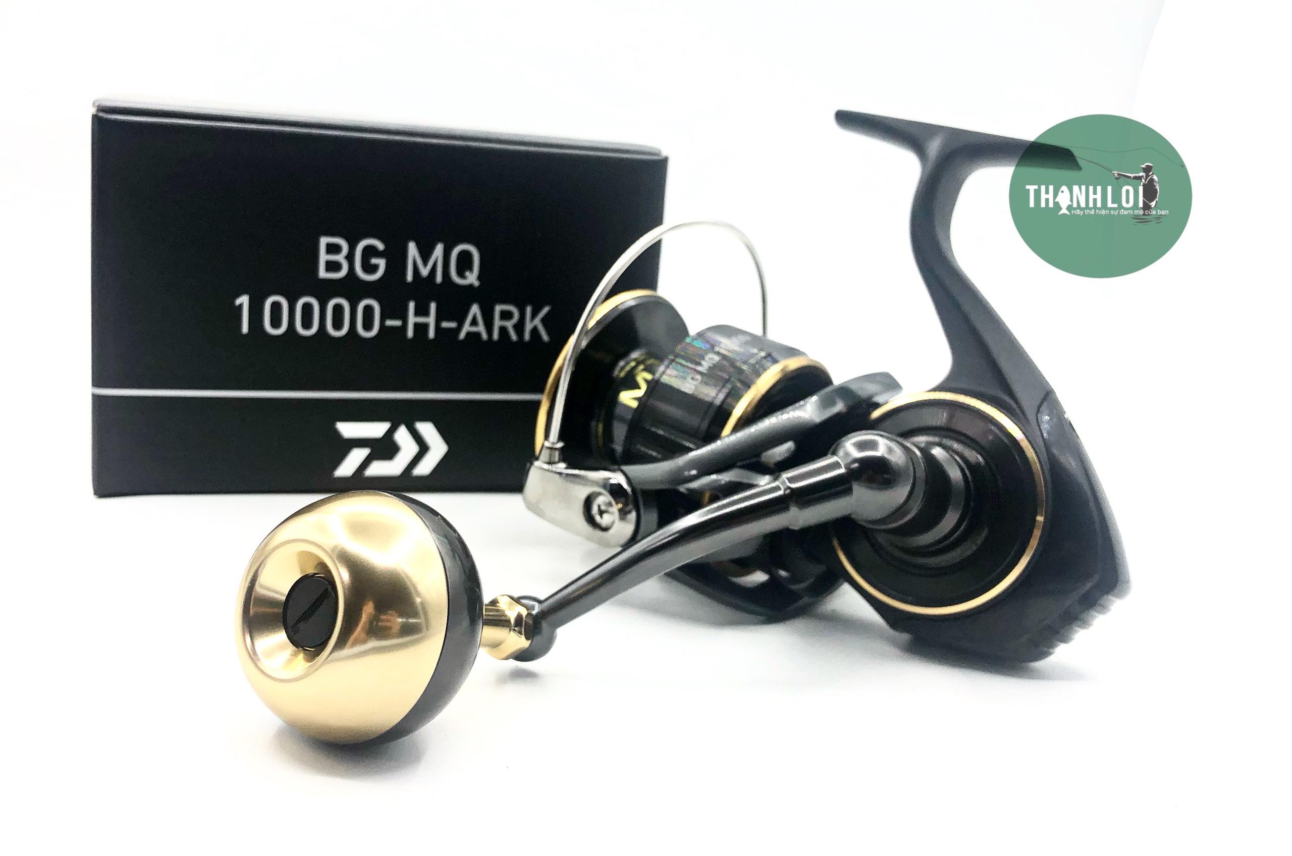 DAIWA BG MQ 10000-H ARK 2021 ( NÚM TRÒN)