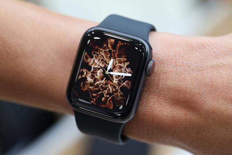 Sự khác nhau giữa Apple Watch Series 4 bản Cellular và GPS là gì?