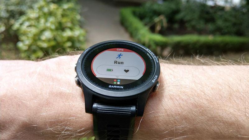 Đồng hồ chạy bộ Garmin
