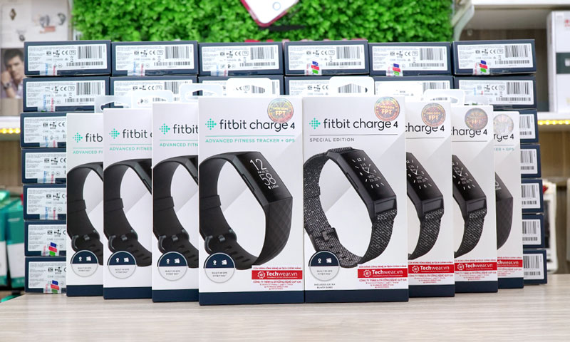 Fitbit Charge 4 - Techwear.vn