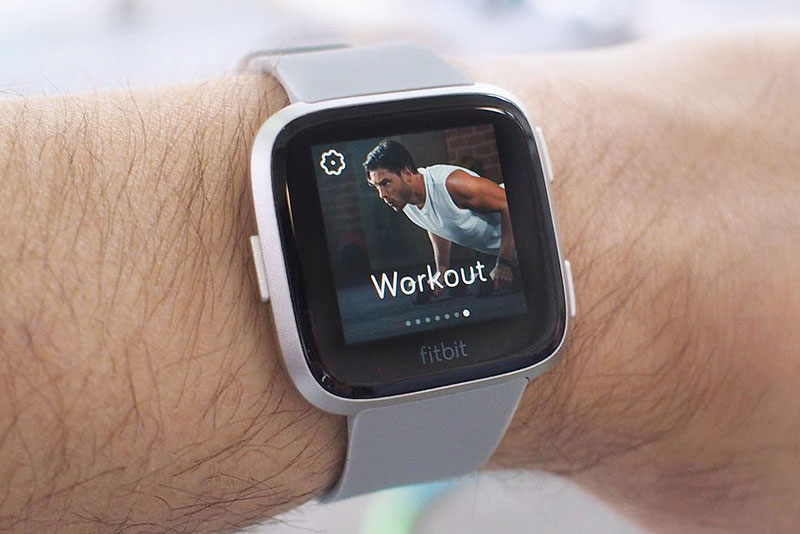 So sánh Fitbit Versa và Apple Watch