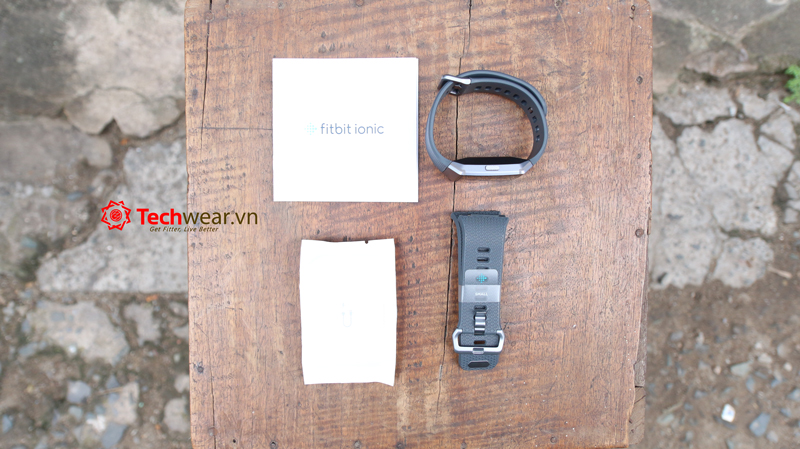Đồng hồ thông minh Fitbit Ionic