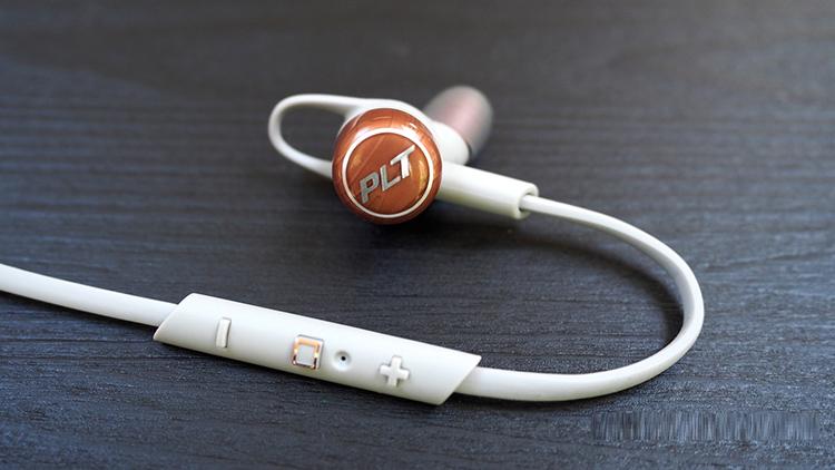 mở hộp tai nghe platronics backbeat go 3 tại techwear.vn