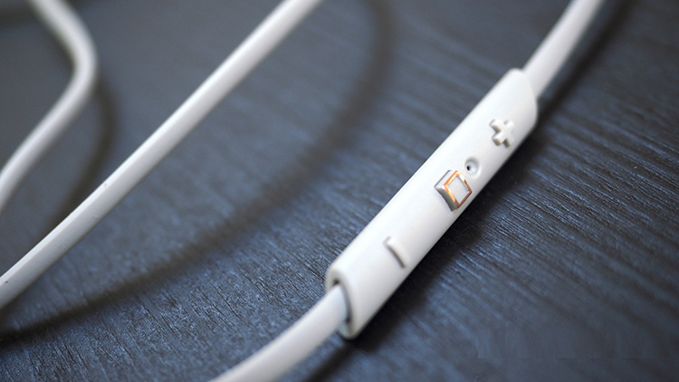 hình ảnh tai nghe backbeat go 3 của plantronics