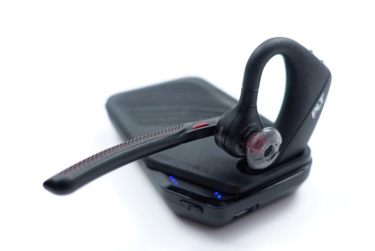 mở hộp plantronics voyager 5200