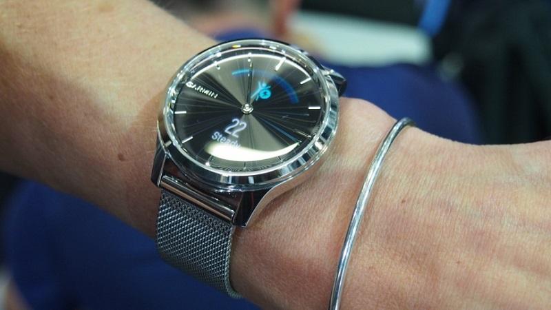 Đồng hồ thông minh lai Garmin Vivomove 3