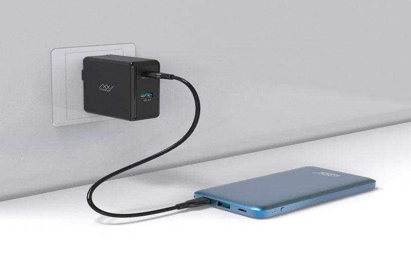 Sạc dự phòng InnoStyle PowerGo Pro 10000MAH xanh