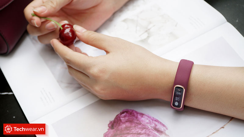 đồng hồ thông minh sức khỏe Garmin Vivosmart 4