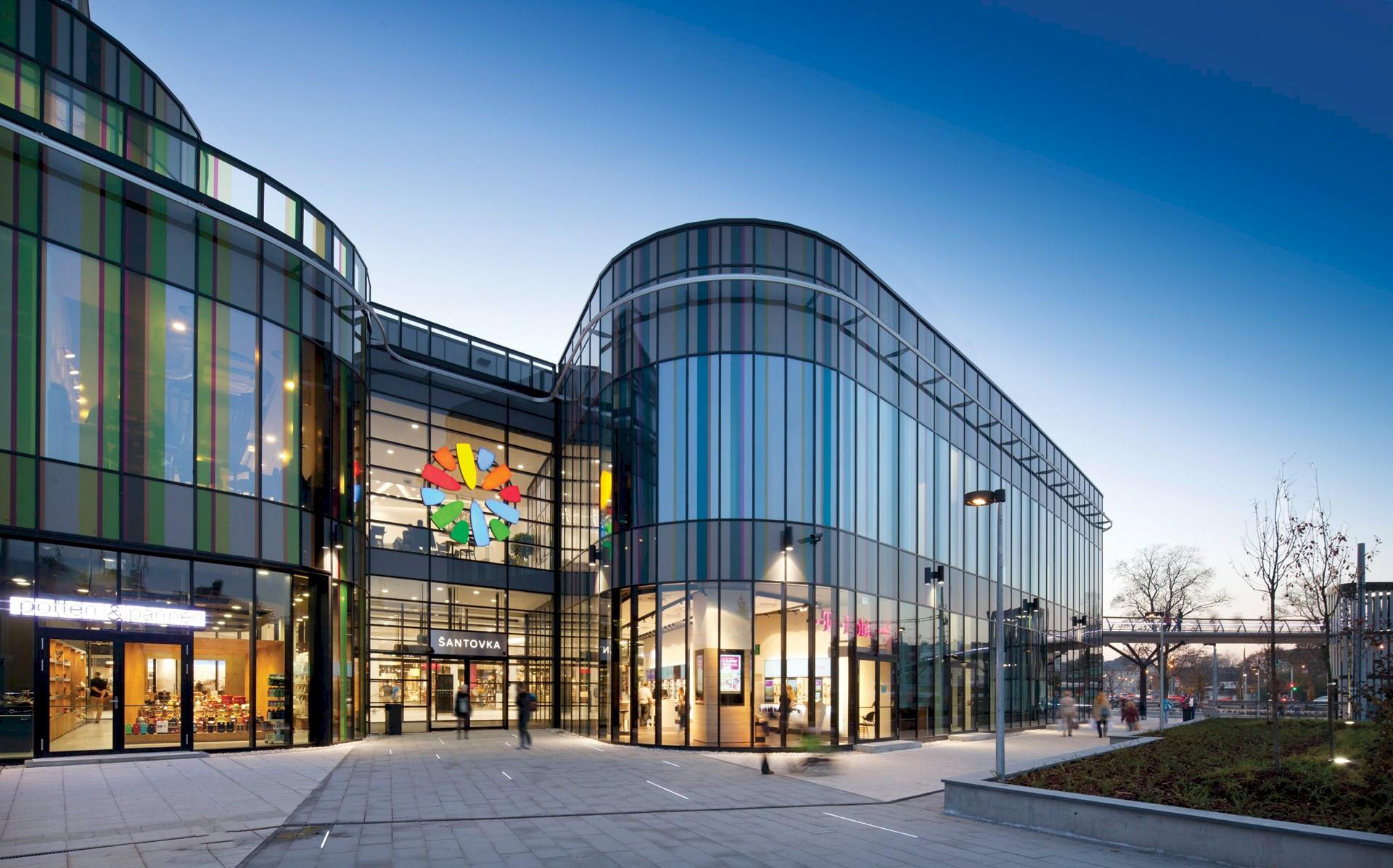 Benoy-designed Galerie Šantovka Wins Building of the Year