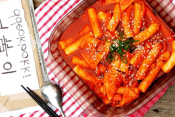 Bánh gạo Hàn Quốc Tokbokki - Tinh túy của ẩm thực Hàn Quốc