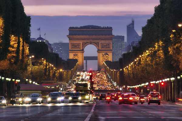 Dai lo Champs Elysse
