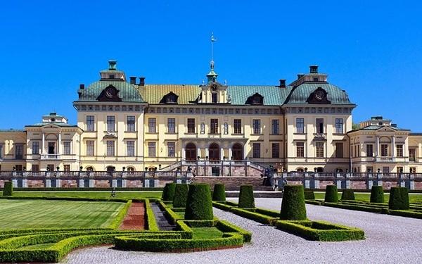 Cung dien Drottningholm