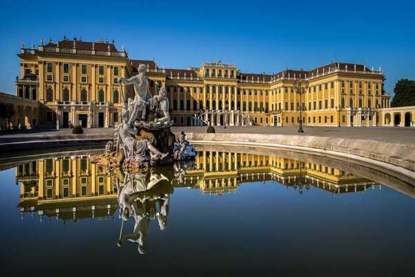 Cung điện Mùa Hè Schonbrunn