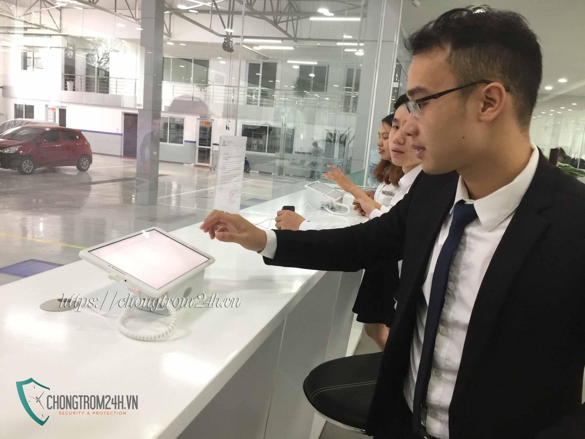 Chống trộm máy tính bảng TA101 tại Hyundai