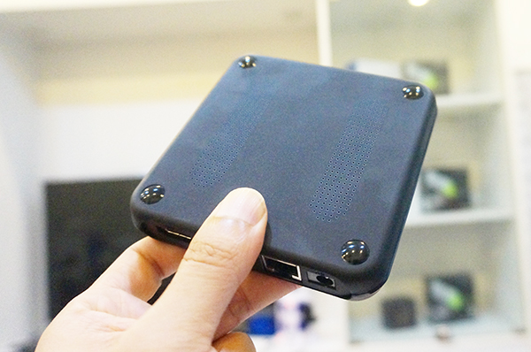 Android TV Box T96R Rockchip RK3229 Ram 2G kết nối Bluetooth cực mạnh