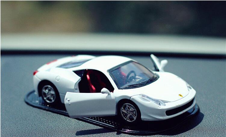 Xe hơi nước hoa Ferrari A09_044
