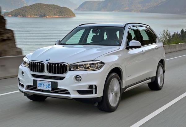 NẸP CHỐNG XƯỚC CỐP SAU BMW DÒNG 3 B05_074