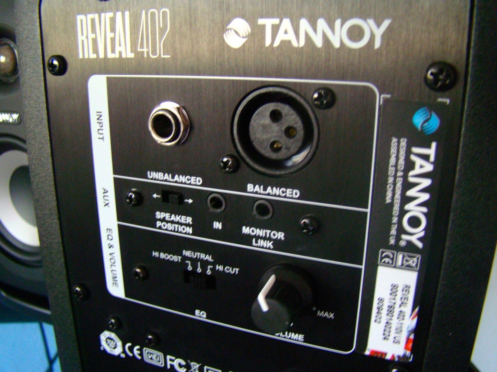 Loa kiểm âm monitor Tannoy Reveal 402