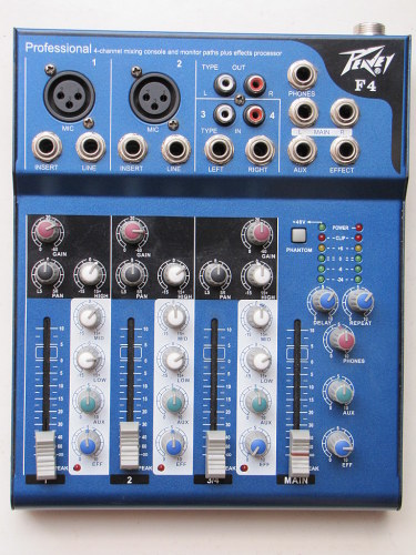 Mixer Peavey F4 (02 kênh)