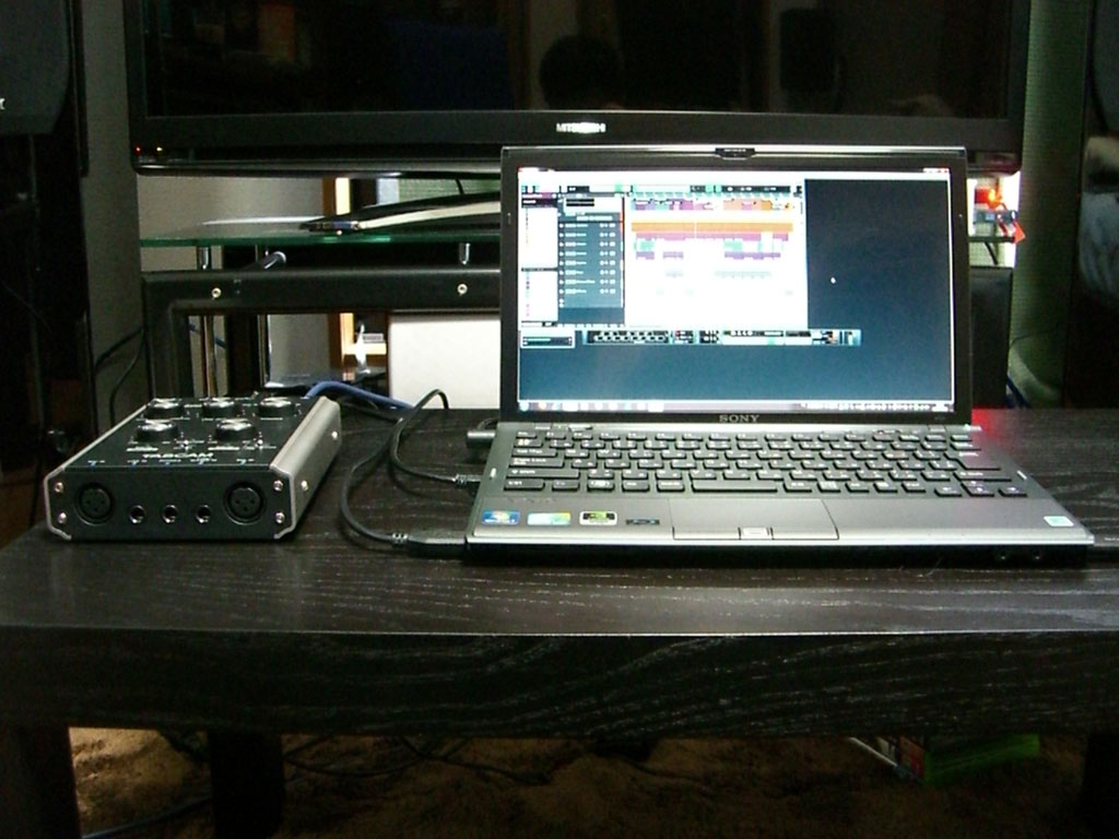 Sound card thu âm Tascam US-144