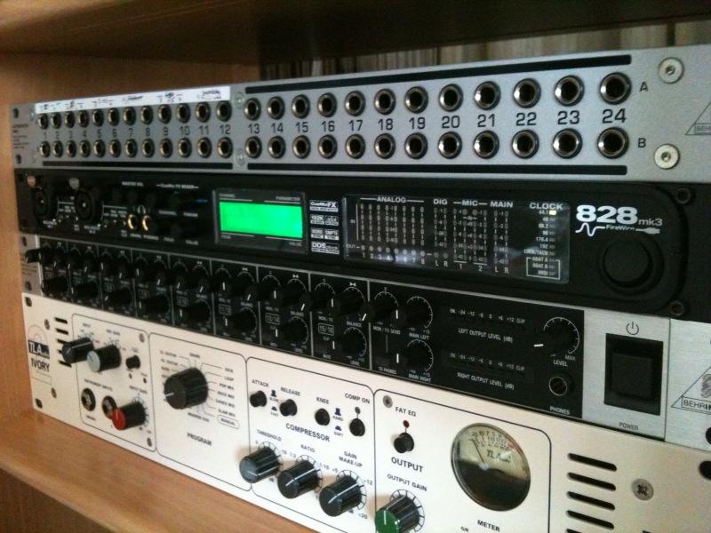 Sound card thu âm Motu 828 MK3 Hybrid
