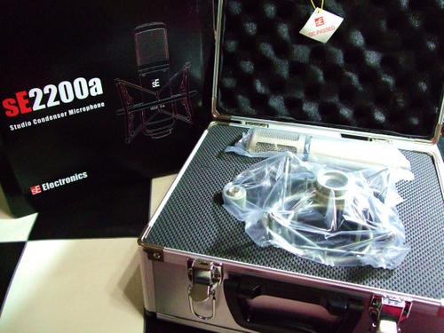 Micro thu âm SE Electronics 2200A