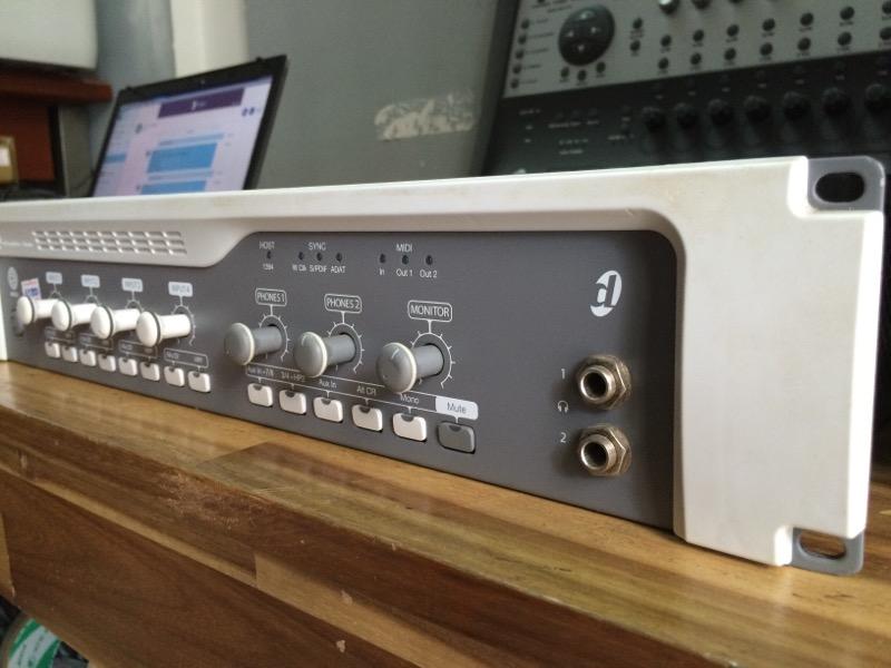 Sound card thu âm Digidesign 003