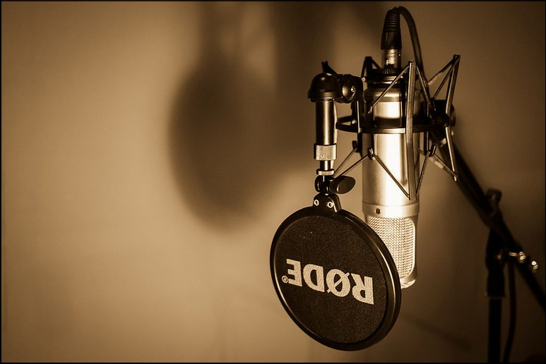 Micro thu âm RODE K2