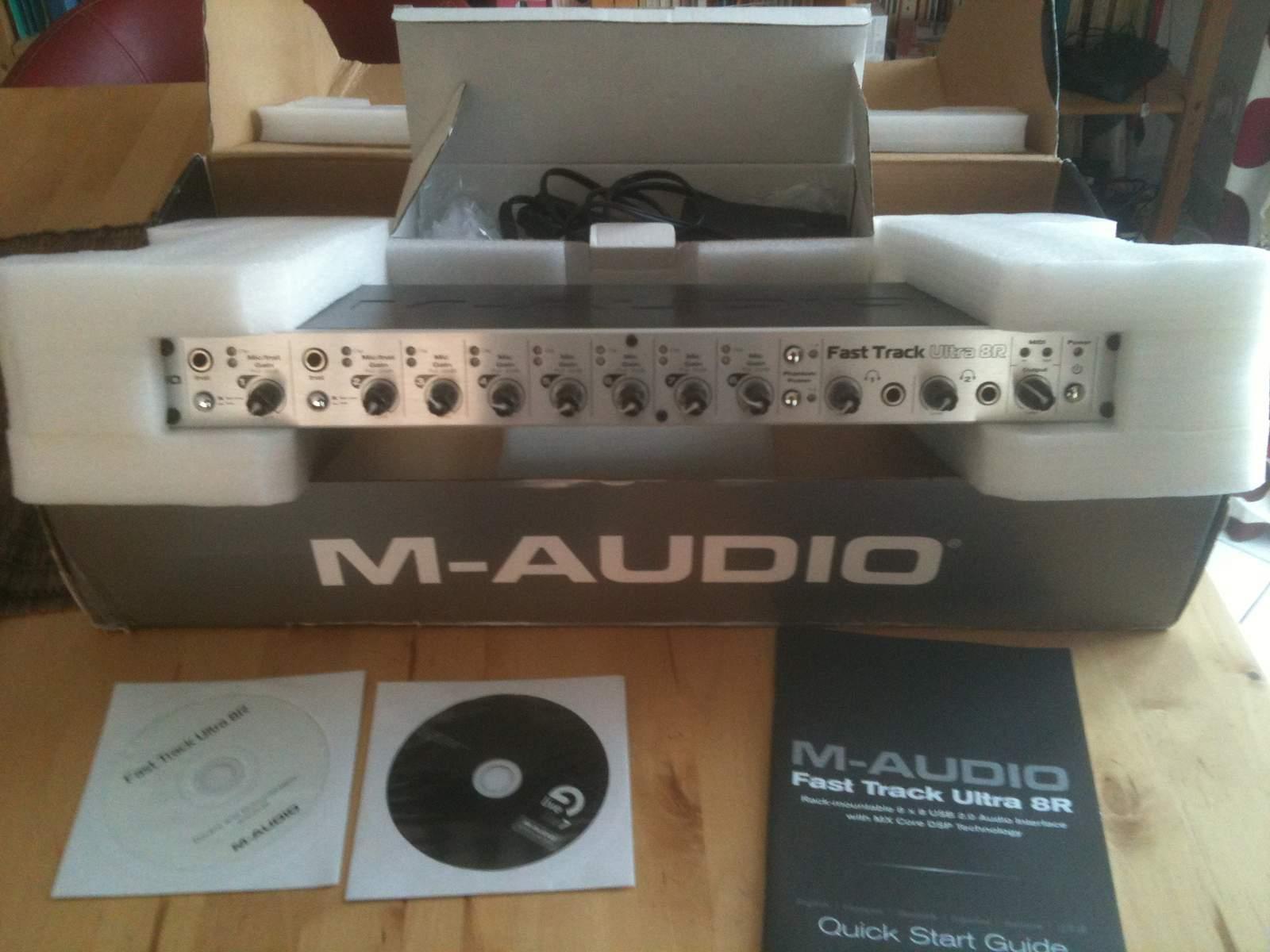 Sound card thu âm Maudio Fast Track Ultra 8R
