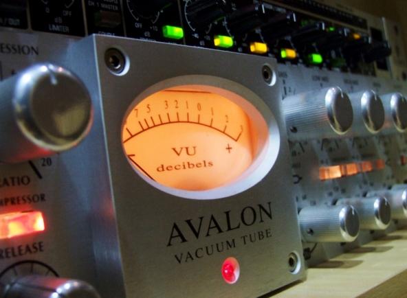 Preamp Avalon VT-737SP