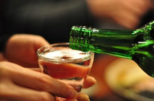 Thưởng thức rượu không chỉ là việc mở chai và uống.
