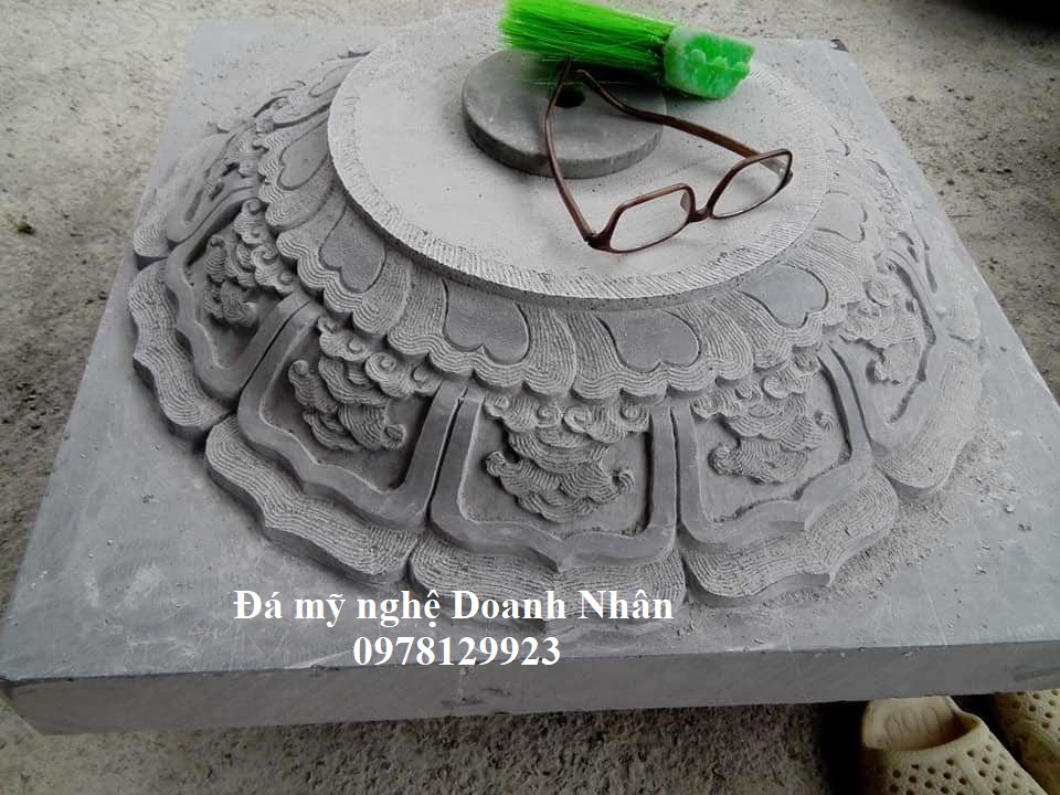 Chân tảng đá tại Tuyên Quang