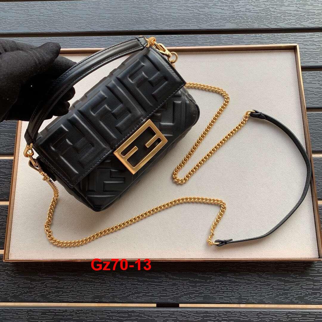 Gz70-13 Fendi túi size 18cm siêu cấp