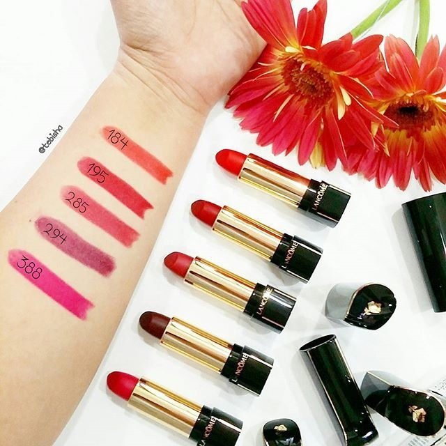 Son Lancome L'absolu Rouge Definition Pháp swatch