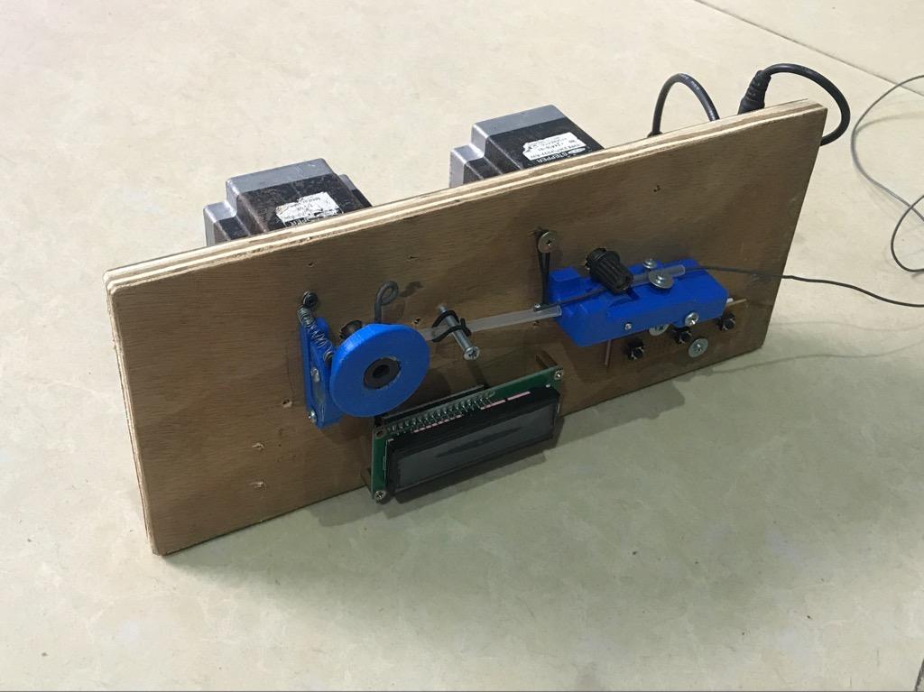 Máy cắt dây điện tự động