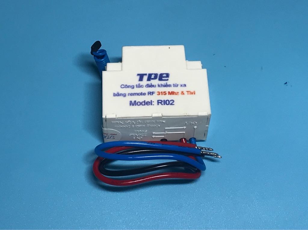 Công tắc điều khiển từ xa sóng RF TPE RI02
