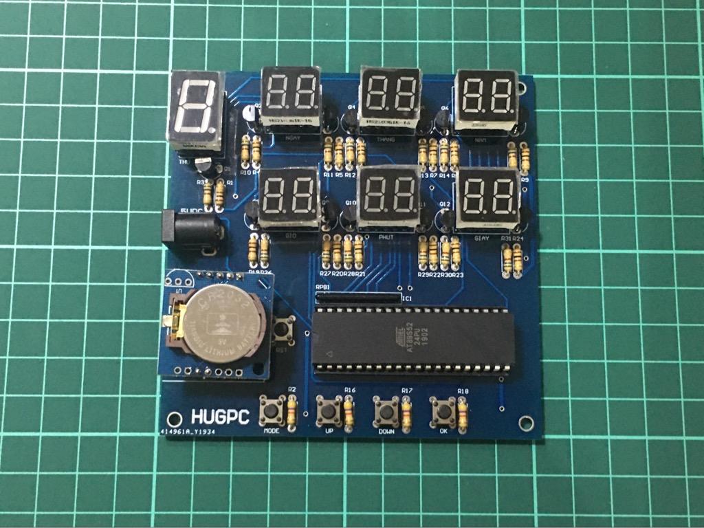 Đồng hồ số hiển thị thời gian ngày tháng năm lập trình 89S52