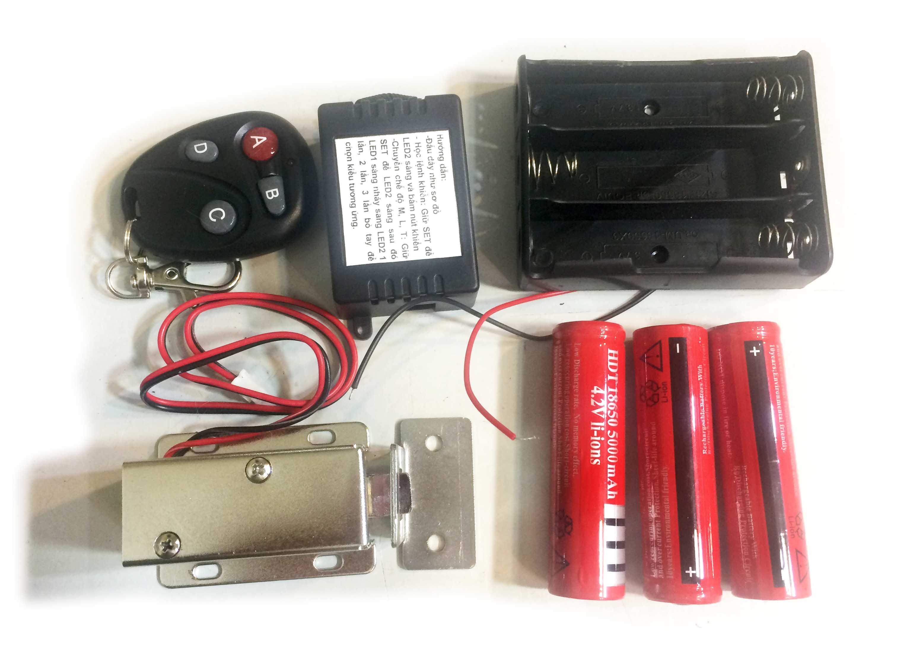 Bộ khóa điện khiển từ xa dùng pin sạc loại khóa