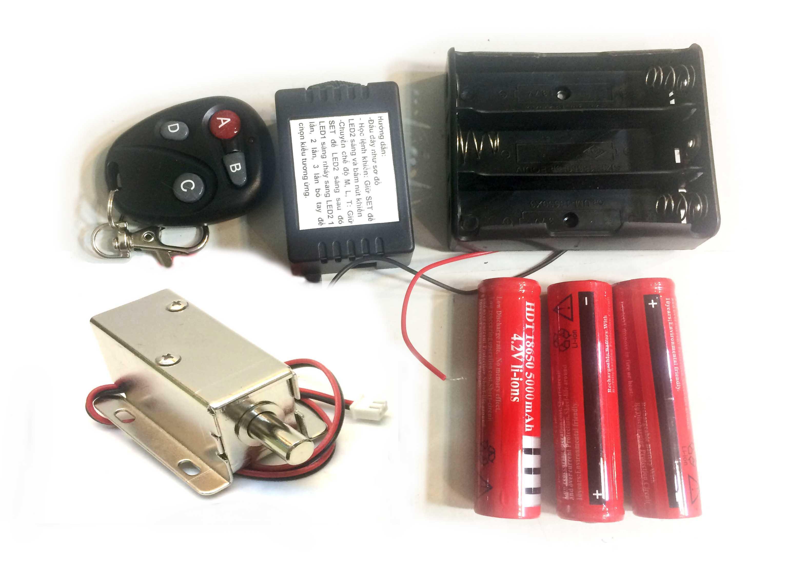 Bộ khóa điện khiển từ xa dùng pin sạc loại chốt