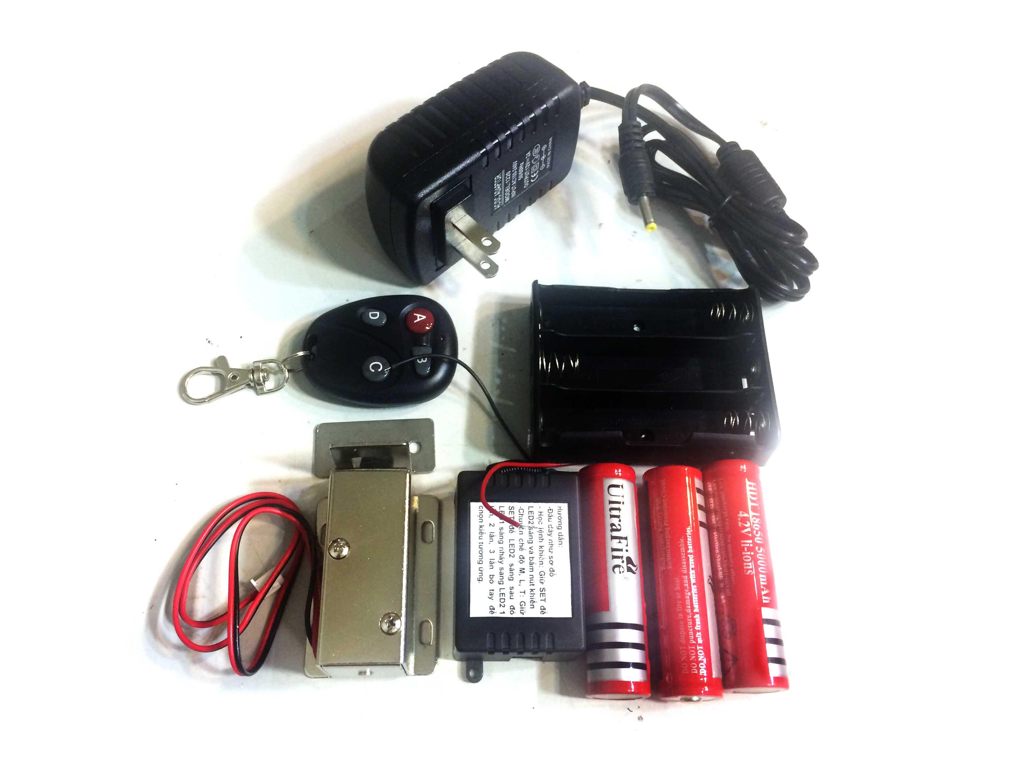 Bộ khóa điện khiển từ xa dùng pin sạc mạch sạc loại khóa