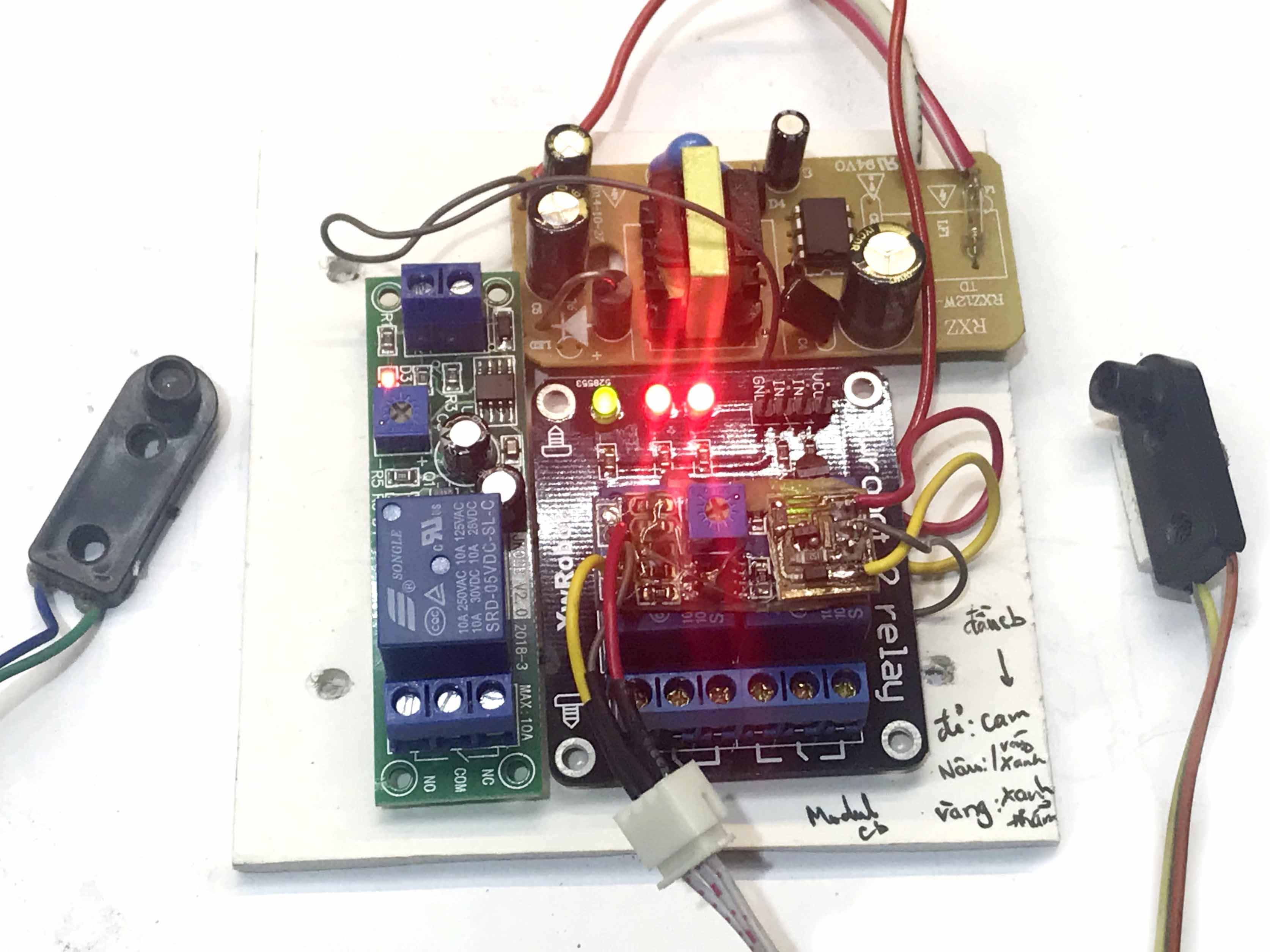 Bộ mạch điều khiển máy đánh giầy