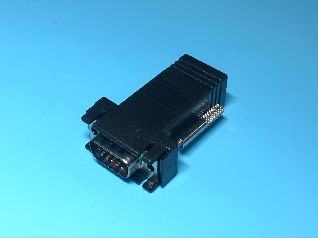 Đầu nối VGA với đầu mạng RJ45