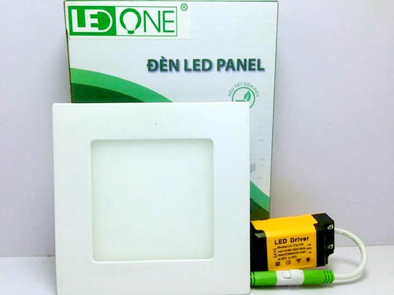 Đèn LED ốp nổi vuông