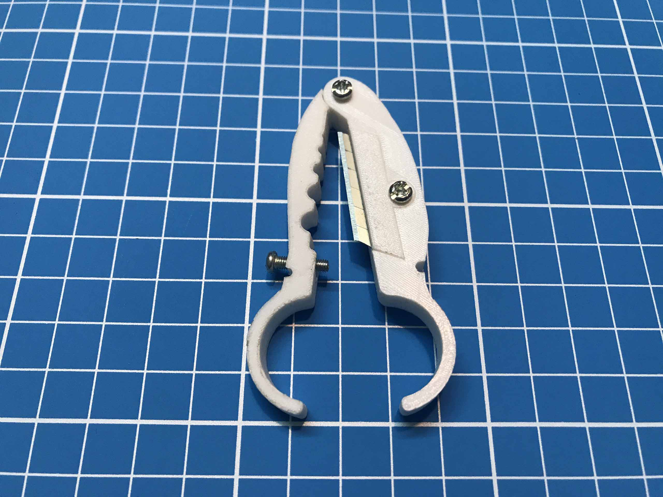 Dụng cụ cắt tuốt vỏ dây điện giản đơn