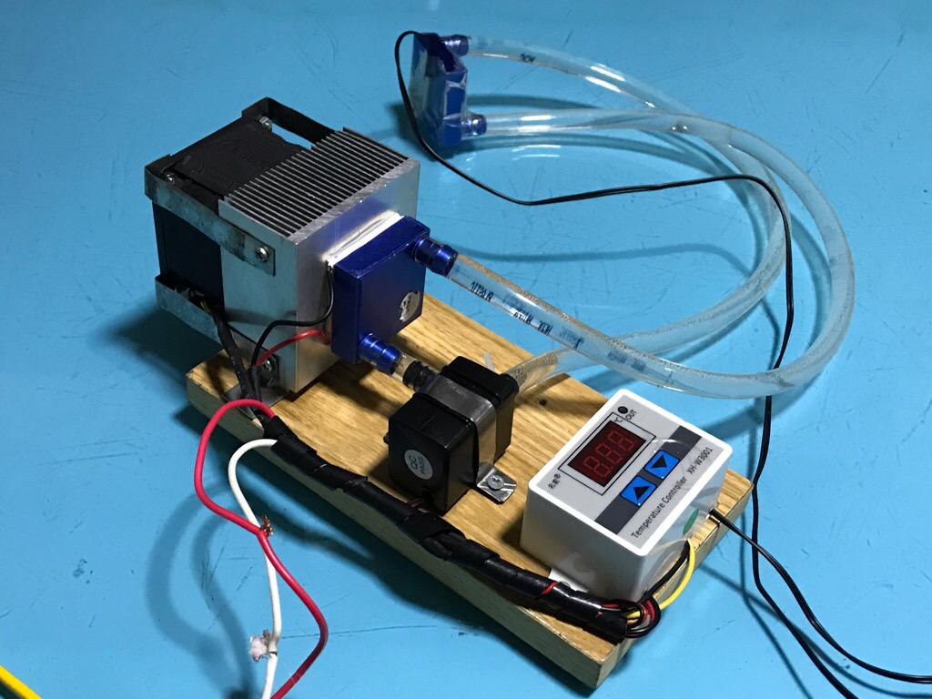 Bộ tản nhiệt nước dùng sò nhiệt và điều khiển bằng cảm biến nhiệt