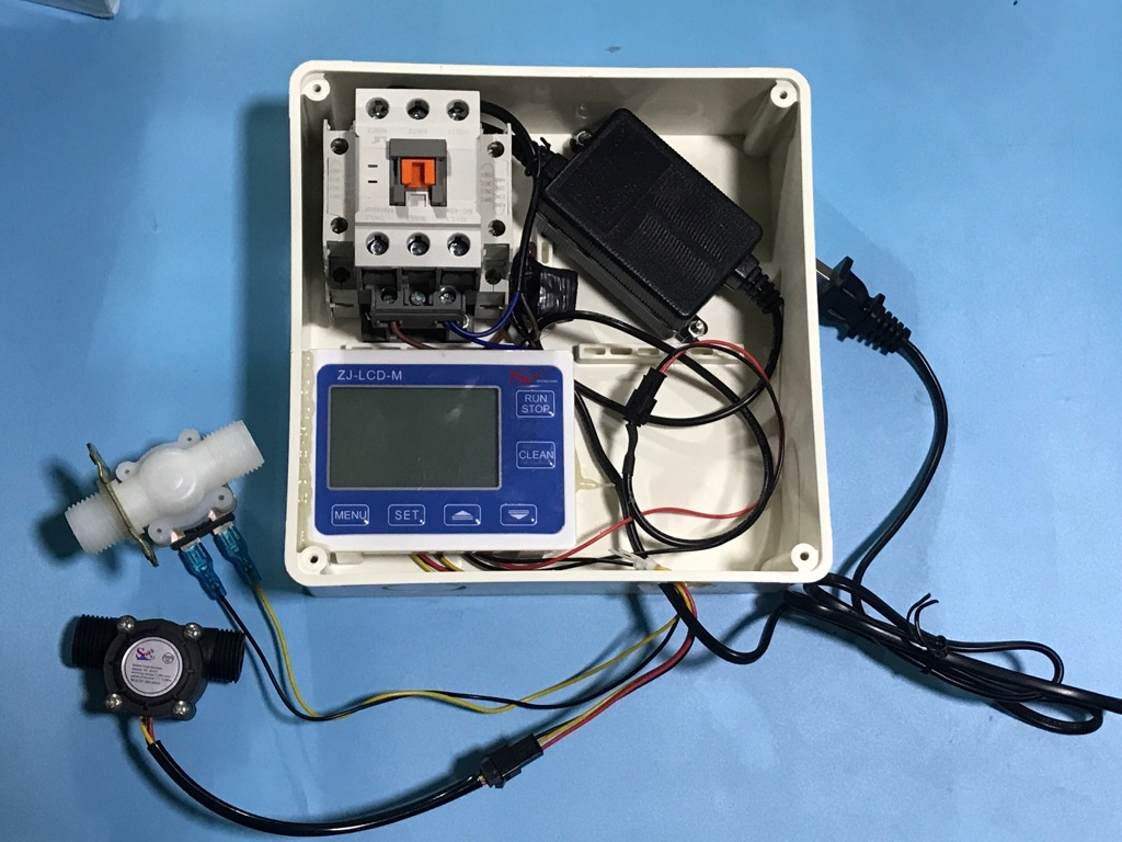 Bộ điều khiển lưu lượng nước đóng mở khởi động từ 3 pha