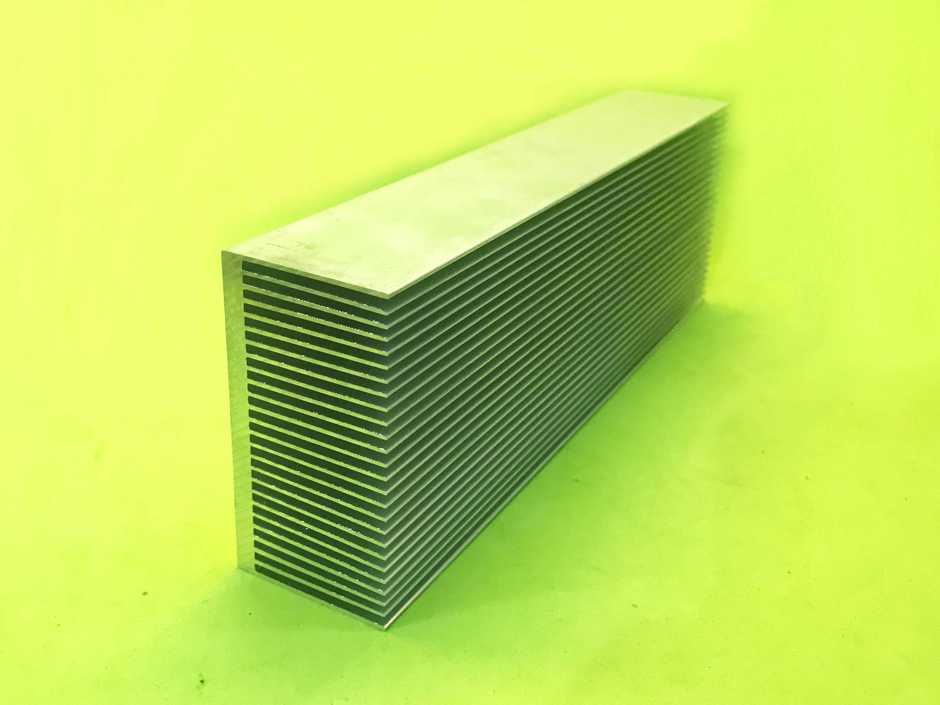 Nhôm tản nhiệt 200 x 69 x 36MM