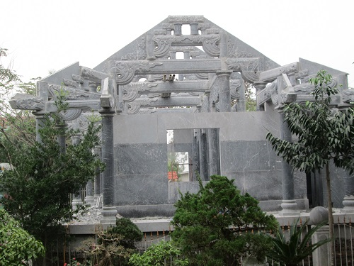 Nhà thờ họ 09